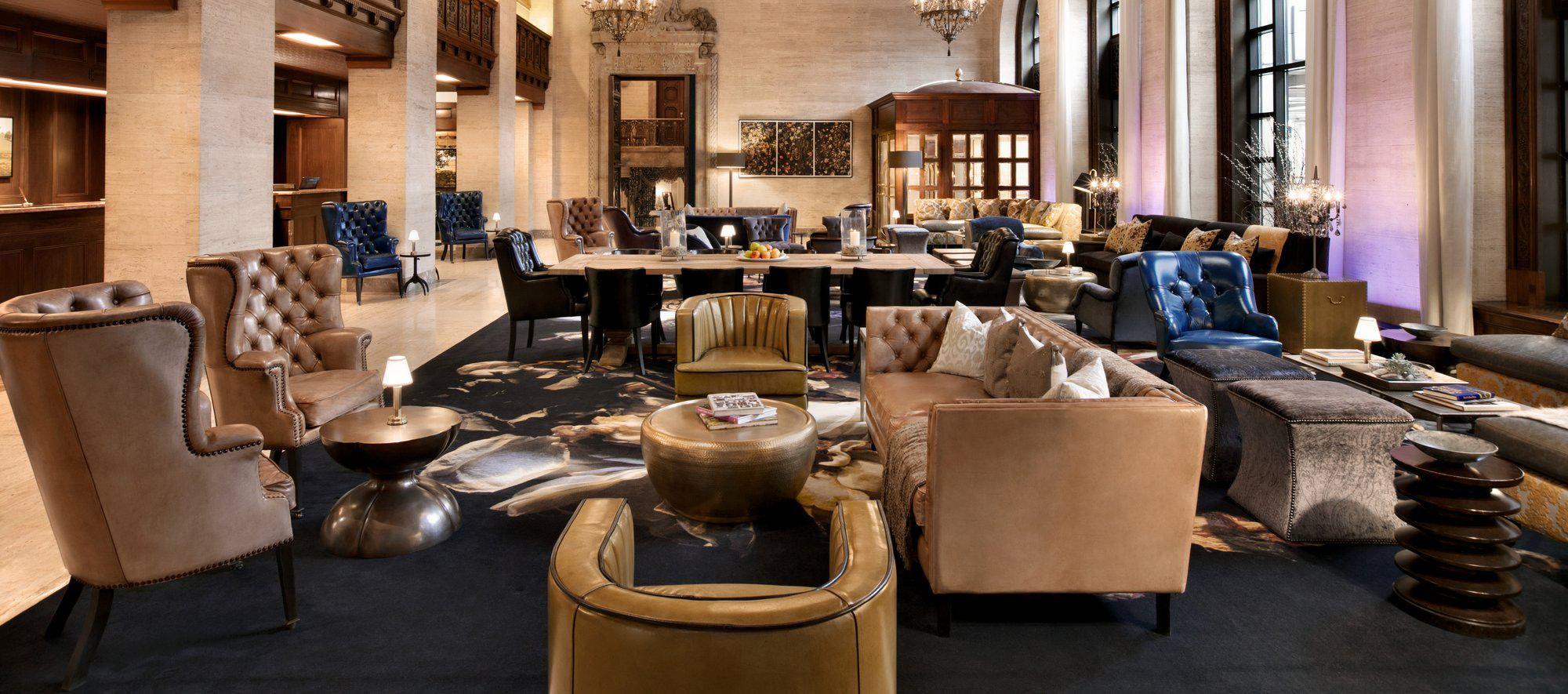 Victoria-Lounge-Brass