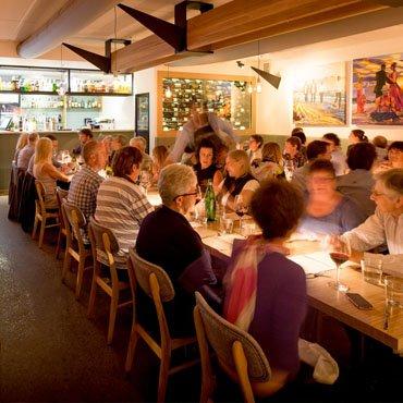Café-People-Dine