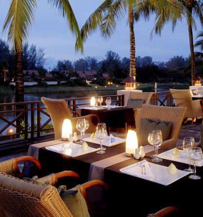 Margarita-Resort-White